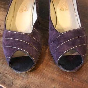 vintage Ferragamo purple suede Peep toe heels 10AA